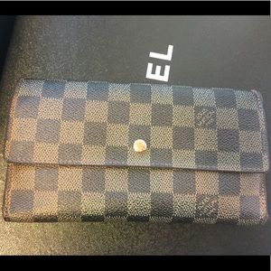 Louis Vuitton Porte Tresor Damier wallet